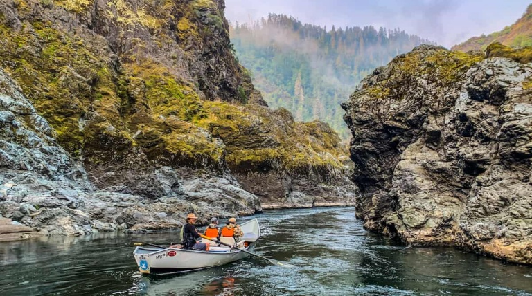 Lodge To Lodge Rogue River Fishing Trips